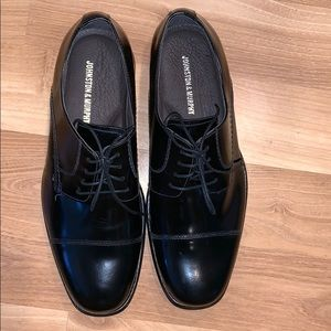 Johnston & Murphy black cap toe oxfords size 11